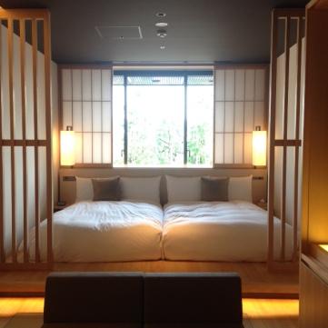 Deluxe Room twin bedding